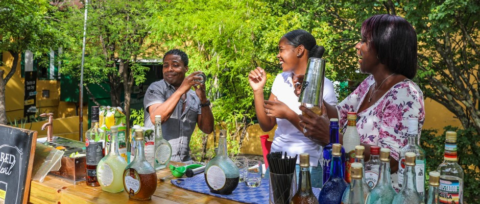 Cocktail Workshop at Landhuis Chobolobo
